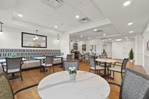 Senior Living Dining Room